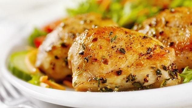 ران مرغ با سس میوه کاکتوس