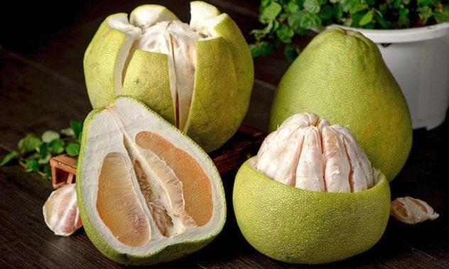 پوملو pomelo یکی دیگر از انواع میوه های استوایی